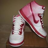 Стильні фірмові кросівки Nike Iндонезія Оригінал р.39 стелька 25 см