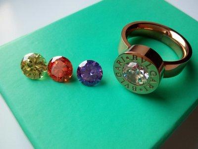 Женское кольцо с цирконием