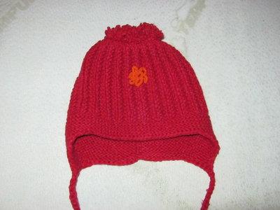 детская шапочка на девочку до 52 размера. б у. в наличии
